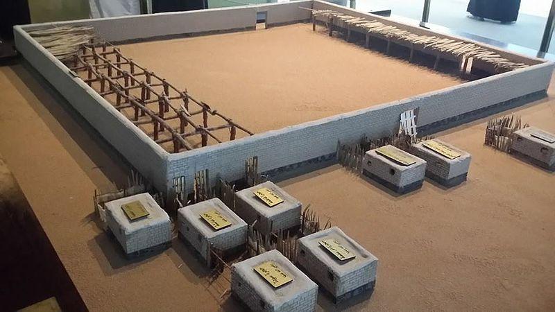 800px-Rekonstruksi_Masjid_Nabawi_1.jpg